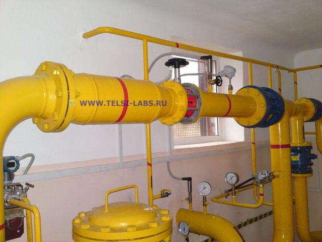 Измерительный участок трубопровода с вихревым счетчиком газа, датчиками давления и температуры