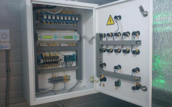 Шкаф контроля загазованности (вид изнутри)